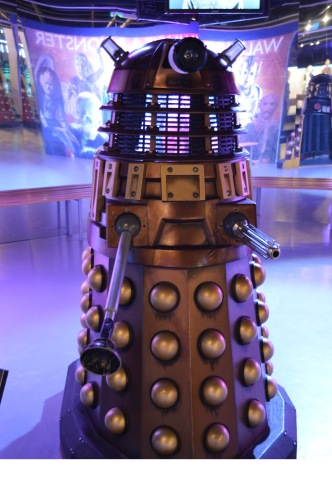 This is Dalek robot. Upon entering the museum, I thought these robots were Dr. Who's friends, but they are not. They are very evil and destructive.